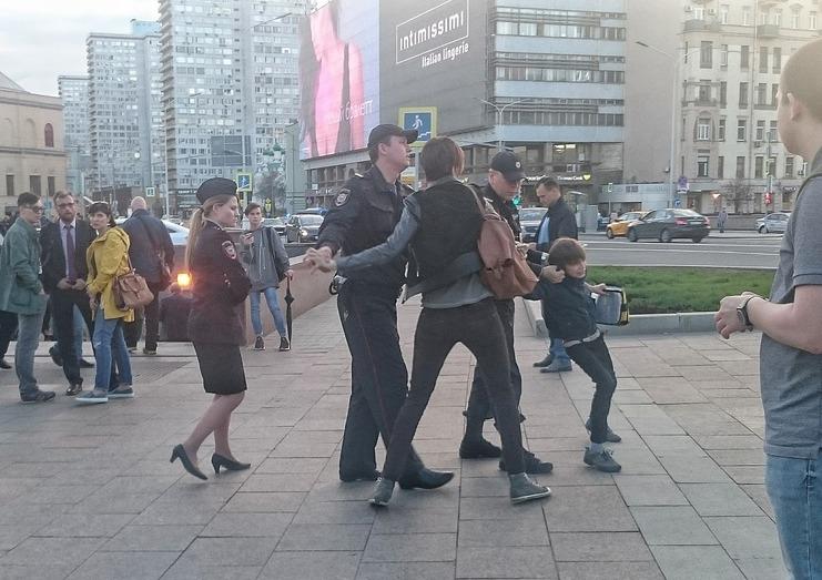 Милиция составила административный протокол намачеху ребенка, схваченного в российской столице