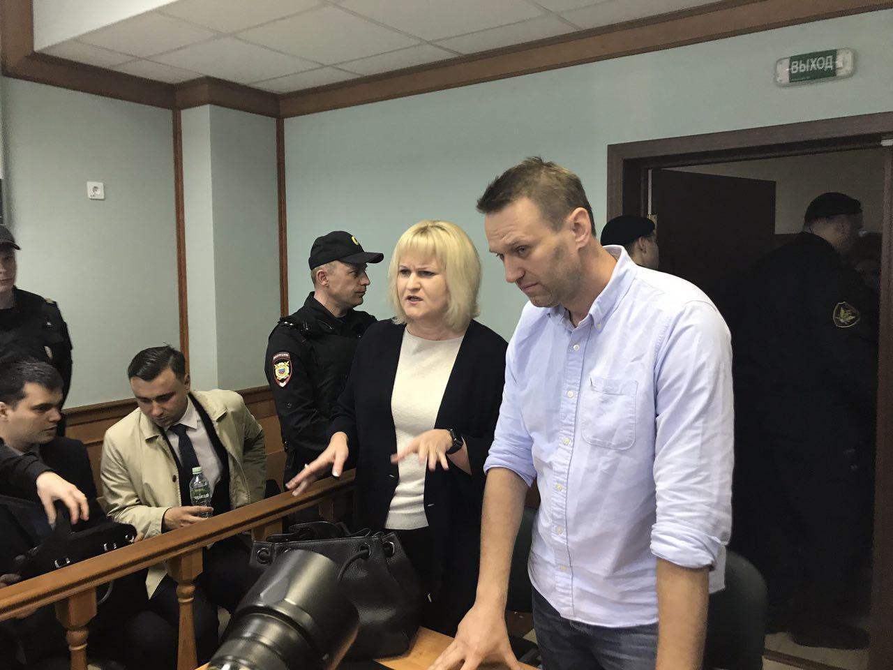 Навальный и адвокат Михайлова в Мосгорсуде