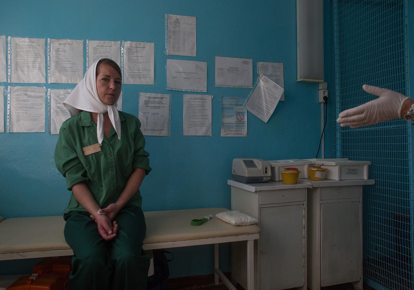 Женщины в тюрьме на медкомиссии у гинеколога — 5