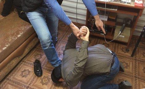 """Результат пошуку зображень за запитом """"В Татарстане полицейский вместе с другом похитил инвалида, избил его, привязал тросом к машине и поехал"""""""