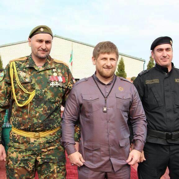 Руслан Геремеев (слева) с Рамзаном Кадыровым. Фото: фейсбук Адама Геремеева